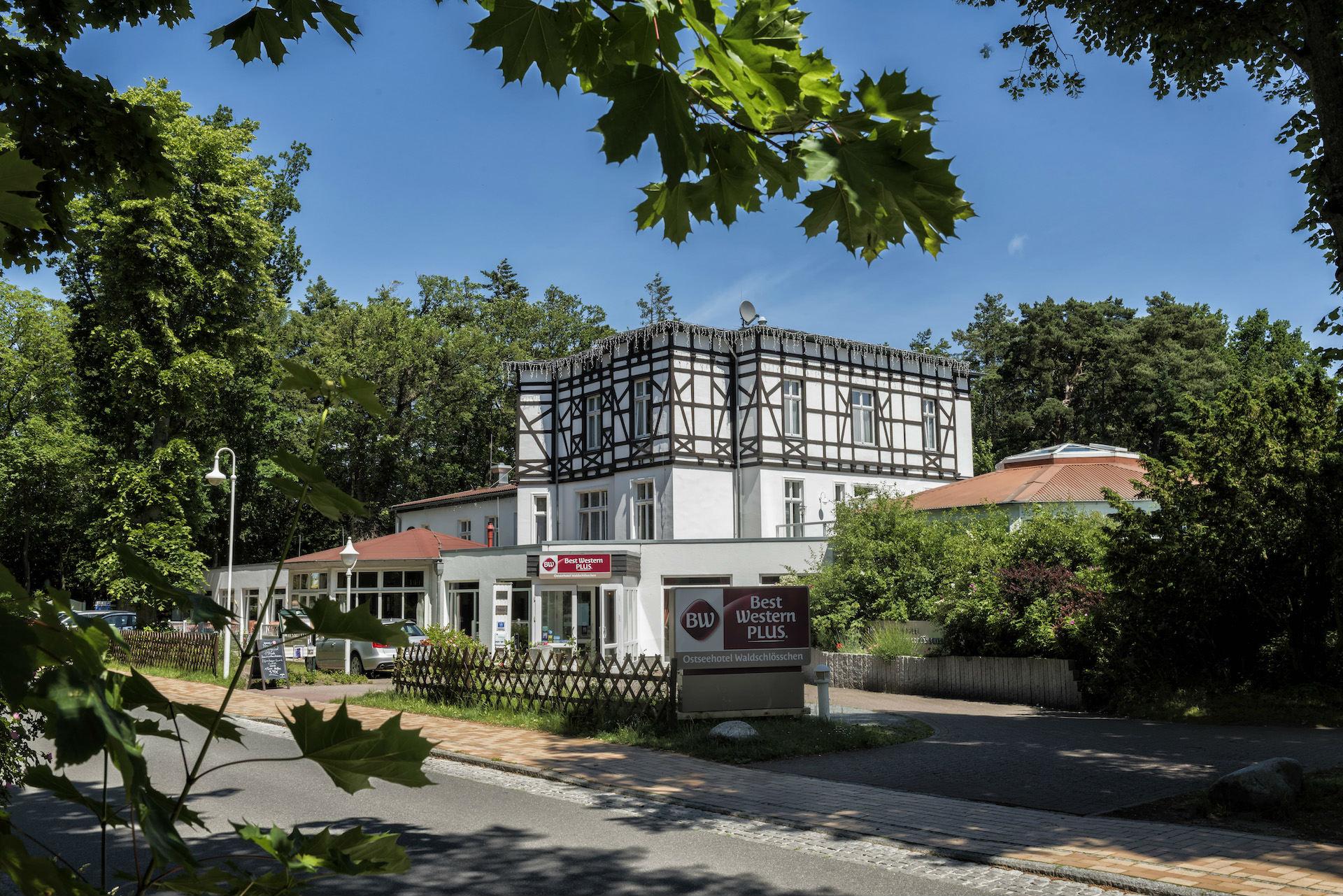 Haupthaus Außenansicht Hotel Prerow