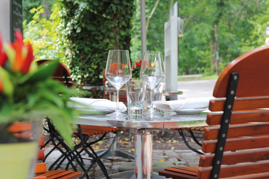 Bistro draußen Tisch Hotel