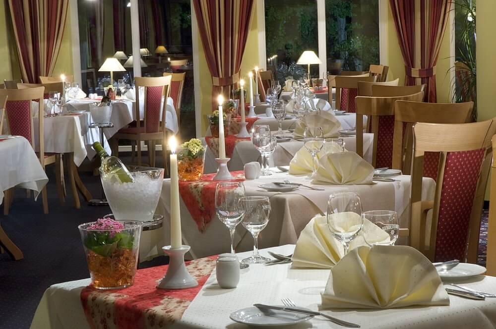 Restaurant Titania Innenraum Hotel