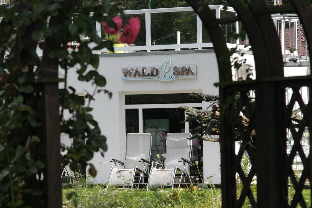 Wellnessbereich Außenansicht Hotel