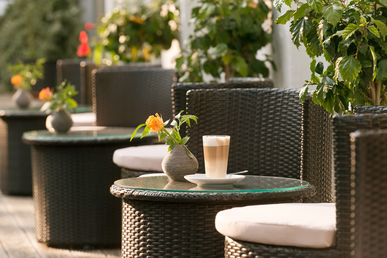 Terrasse Wellnessbereich Hotel Prerow