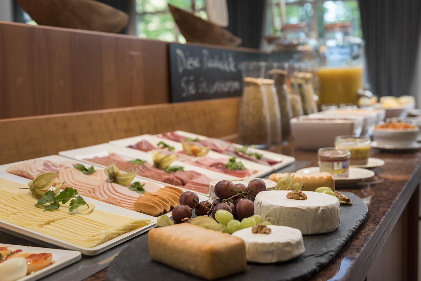 frühstück buffet aufschnitt Best Western Waldschlösschen Prerow